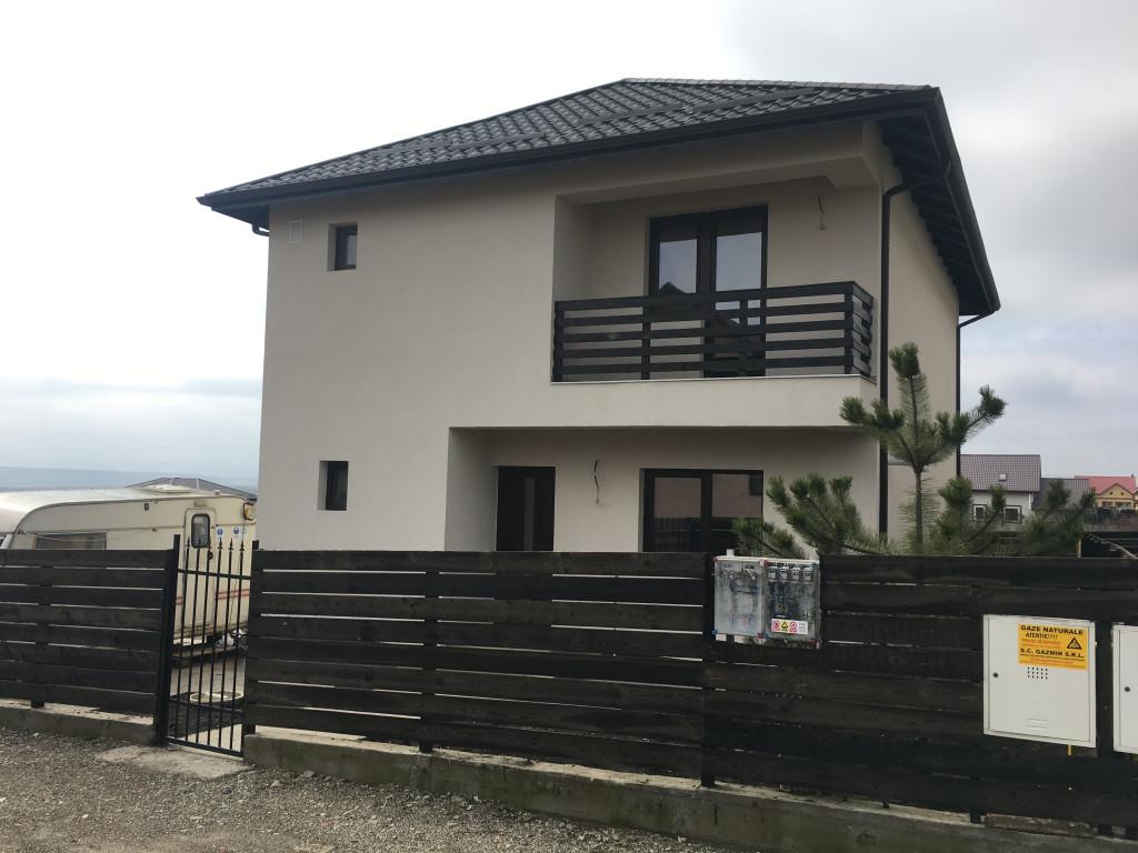 https://partener-imobiliare.ro/ro/vanzare-houses-villas-4-camere/miroslava/casa-individuala-la-asfalt-4-camere-miroslava-canalizare_119