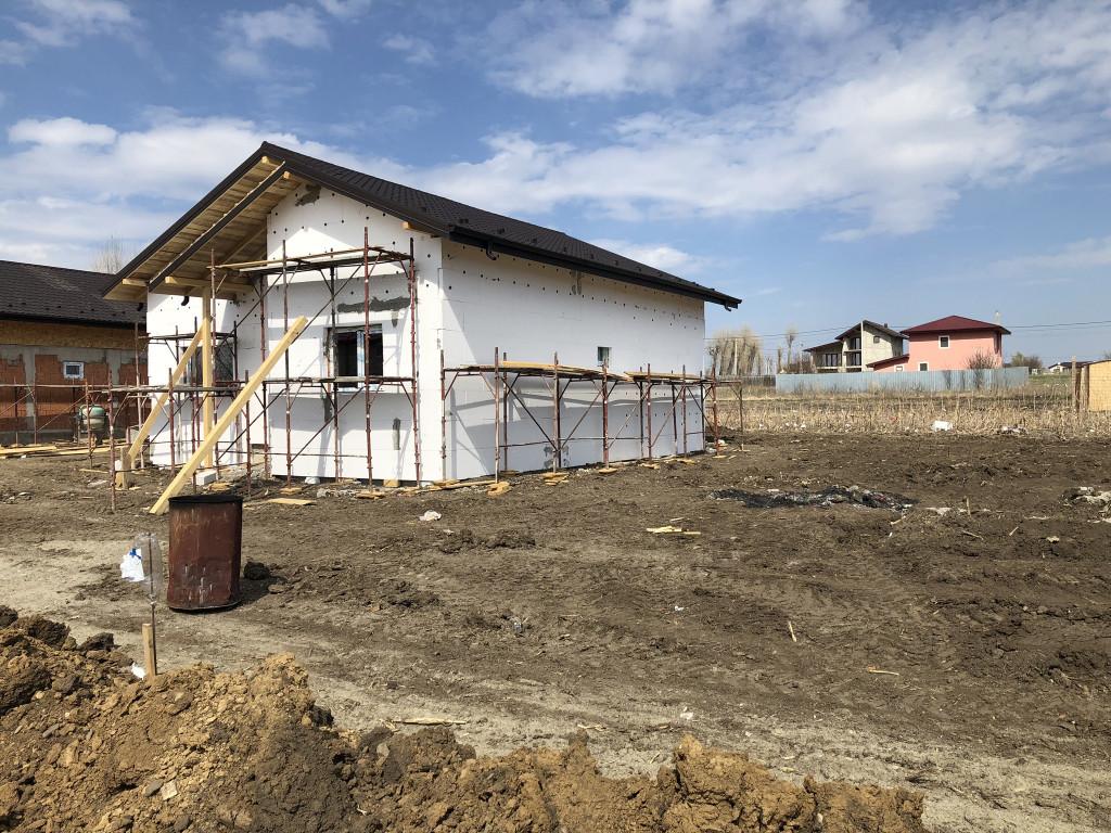 2 Bai!ASFALT!Casa 3 camere,470 mp teren,Valea Ursului-Vorovesti