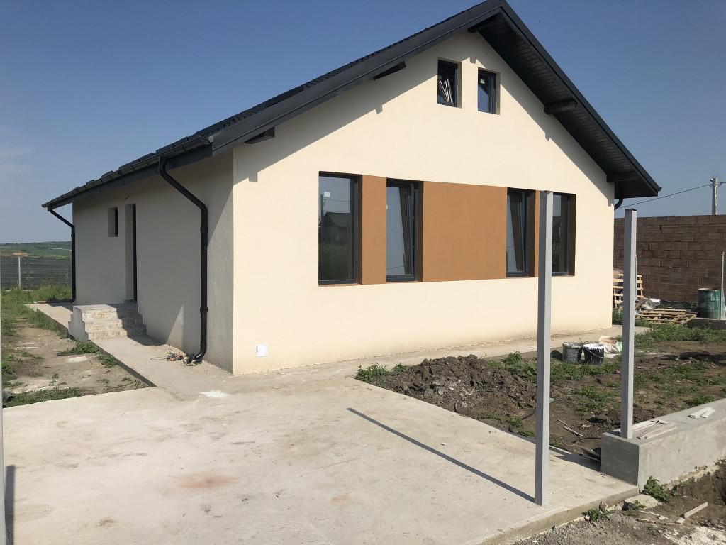 Incalzire in pardoseala! 2 Bai! Casa 3 camere, Miroslava - Valea Ursului