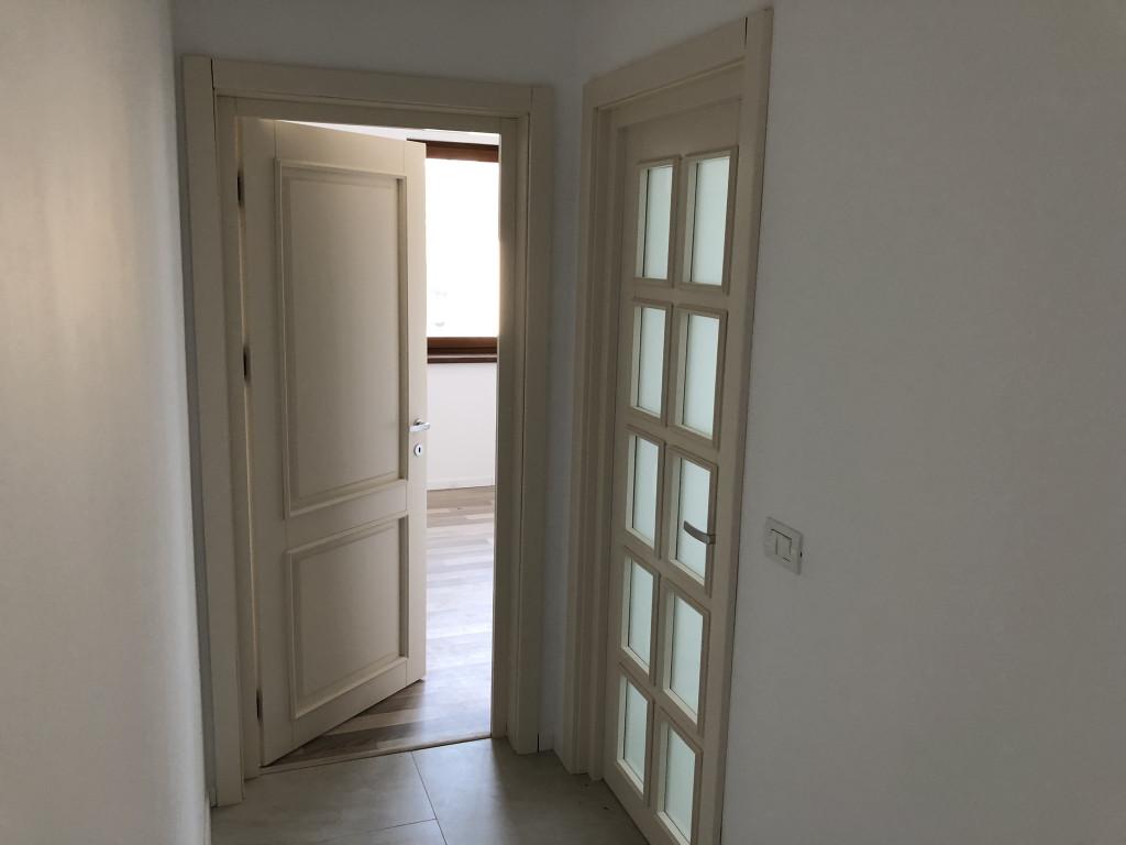 2 BAI! Apartament 3 camere, 69 mp + parcare + gradina, Valea Lupului