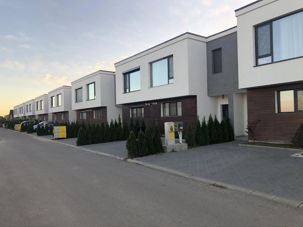 https://partener-imobiliare.ro/ro/vanzare-houses-villas-4-camere/valea-lupului-iasi/canalizare-asfalt-vila-4-camere-popas-pacurari-valea-lupului_425