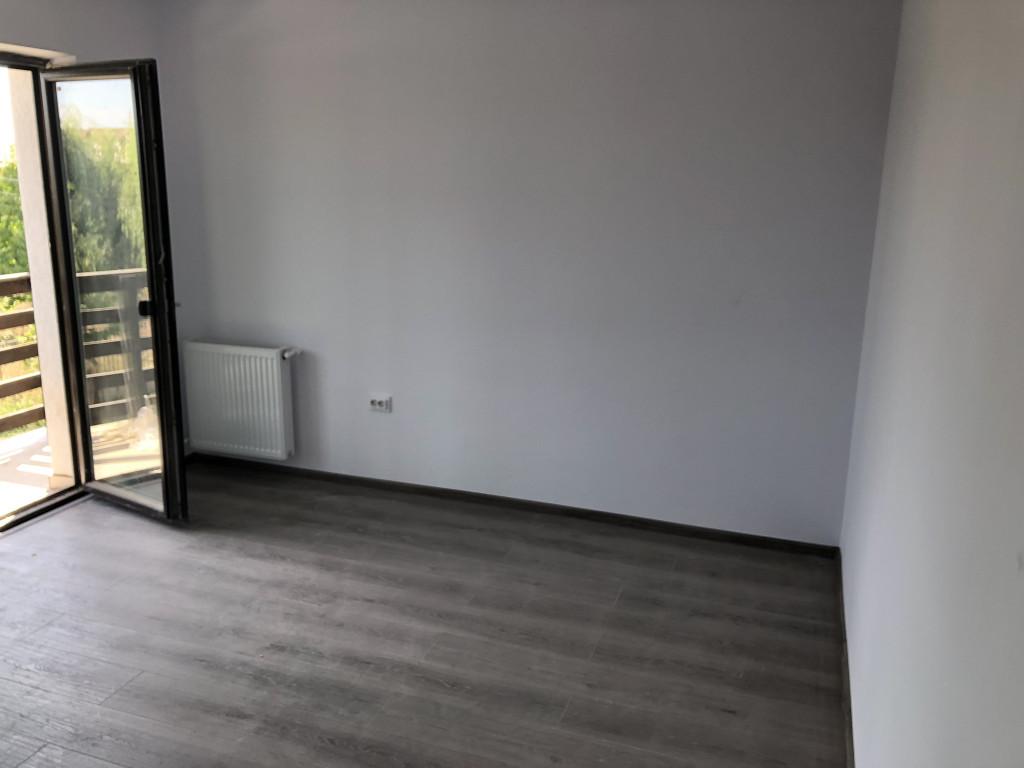 Apartament 1 camera 35 mp + parcare, capat Pacurari - Rediu