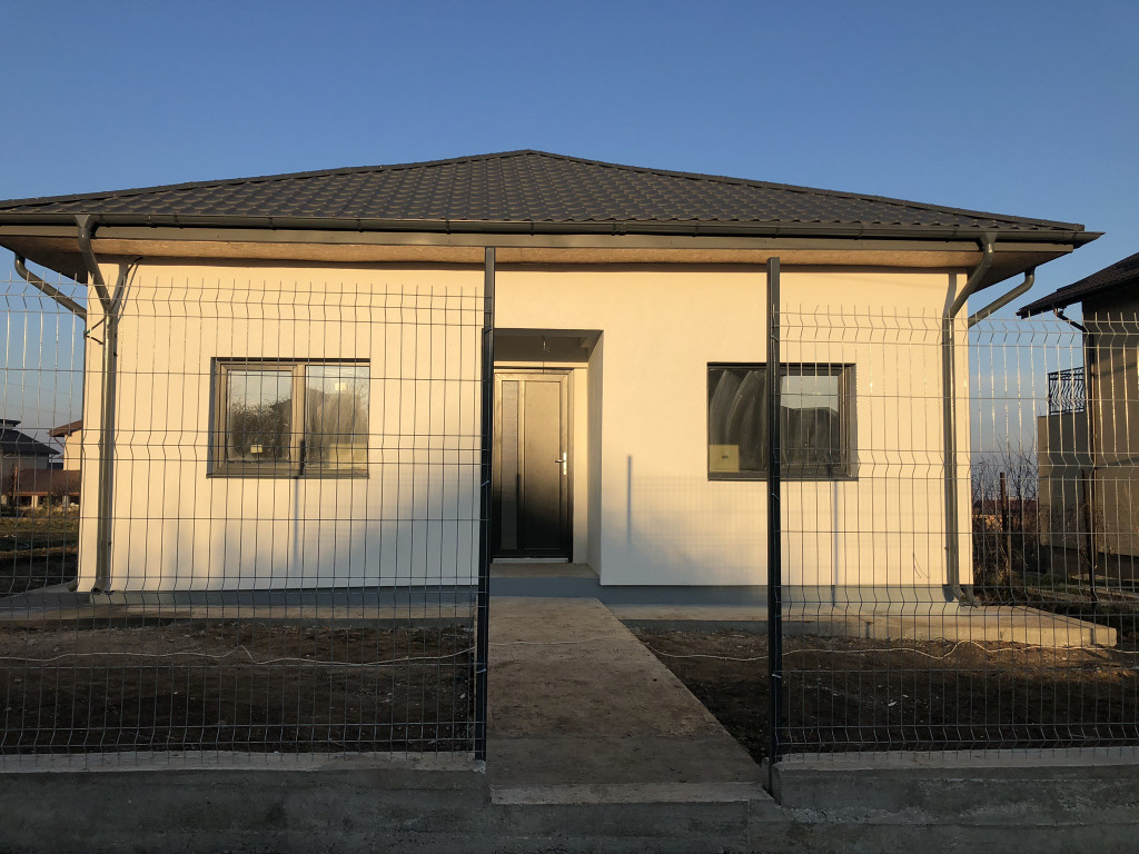 Casa 4 camere, 450 mp teren, Valea Adanca - Miroslava