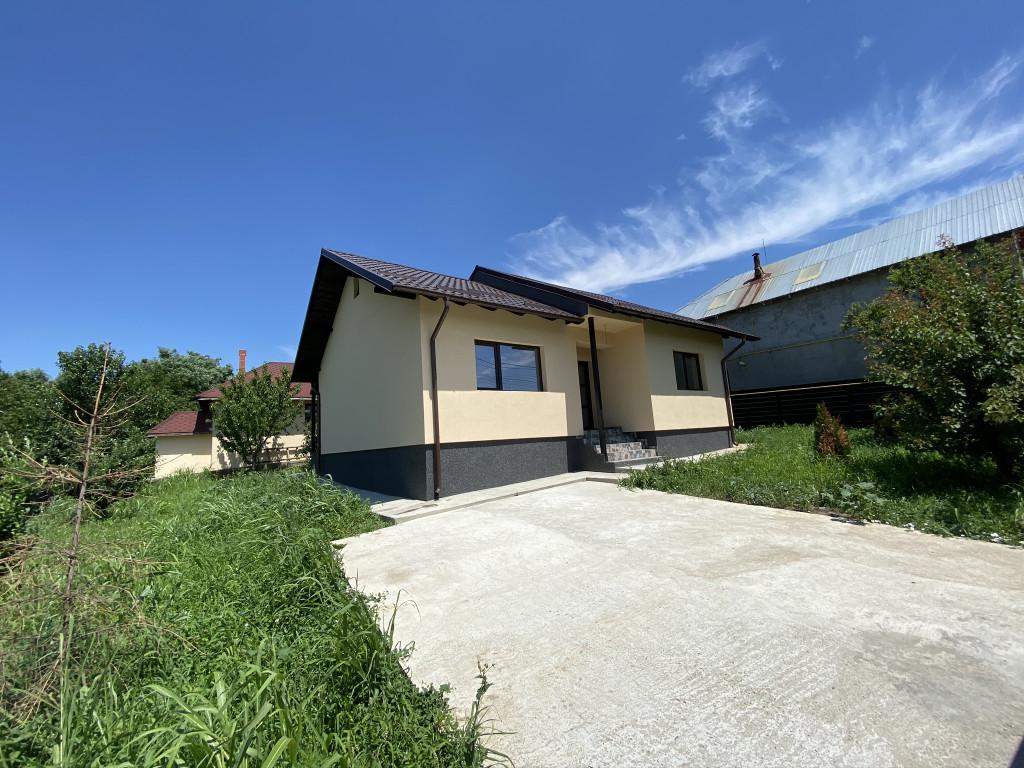 Casa 4 camere, 100 mp utili, 650 mp teren, Breazu - Rediu