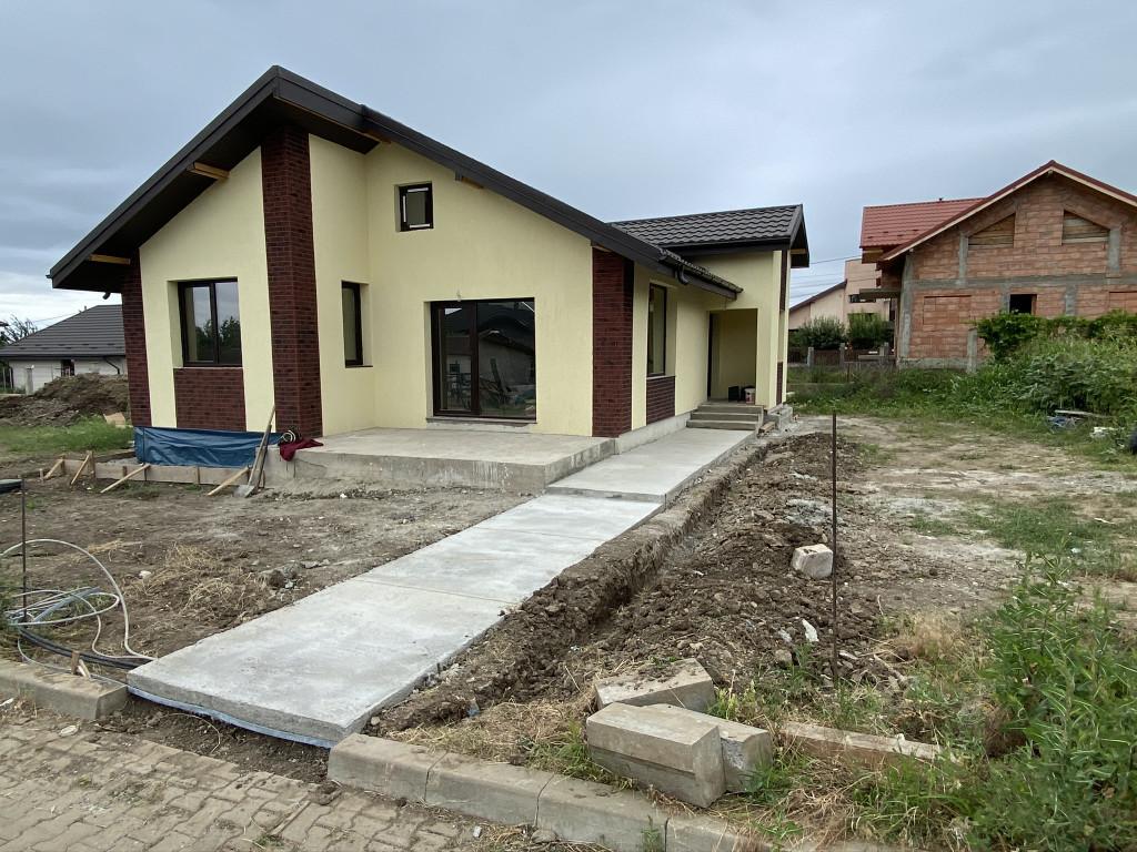 Casa 3 camere, 86 mp utili, Breazu